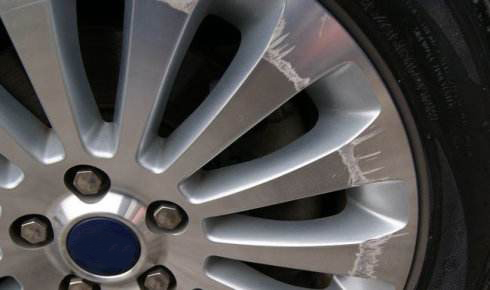 How to fix aluminum alloy wheel scratches?
