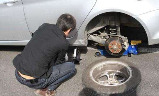 How to change the car wheel tires?
